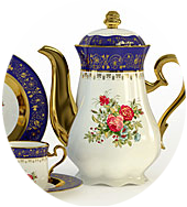 photo of teapot with roses on it