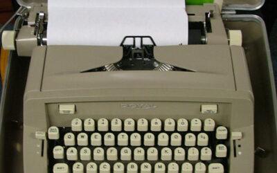 #16 – A Manual Typewriter for the Aspiring Writer