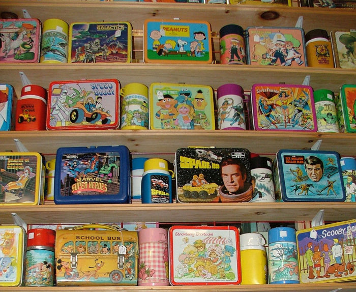 Metal and Plastic Lunch Boxes at Bahoukas