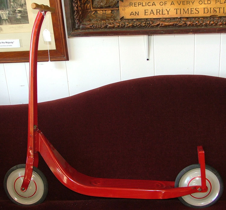 red scooter from the 50s at Bahoukas in Havre de Grace