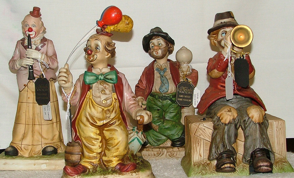 beautiful hand-painted clown figurines by Waco now at Bahoukas