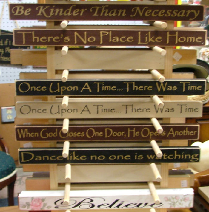 Decorative signage for your home at Bahoukas