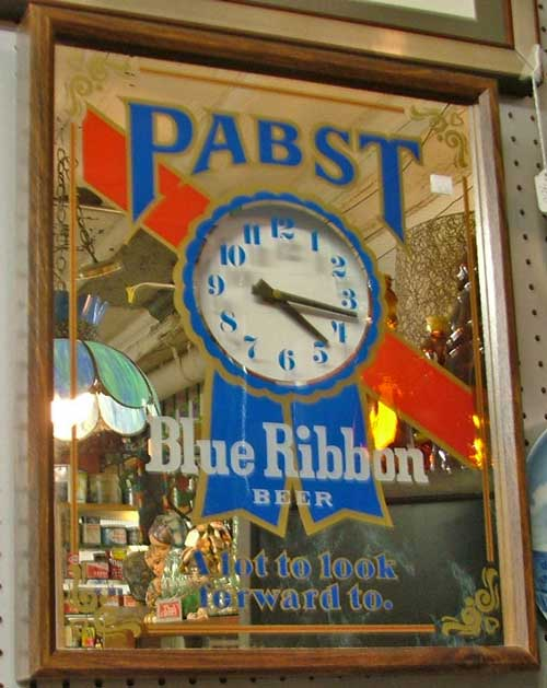 Pabst clock-mirror collectible at Bahoukas Beer MuZeum in Havre de Grace