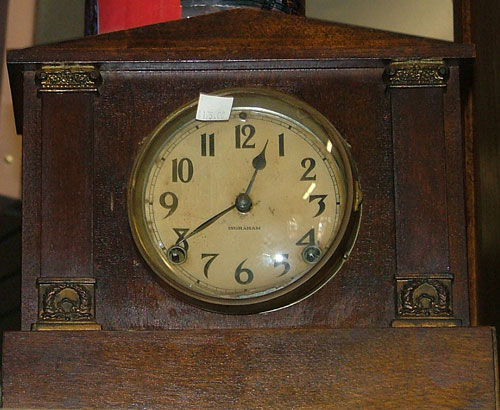 Standard mantle clock by Ingraham