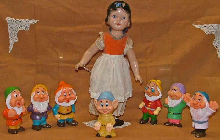 Bahoukas celebrates the 80th Anniversary of Snow White and the Seven Dwarfs!