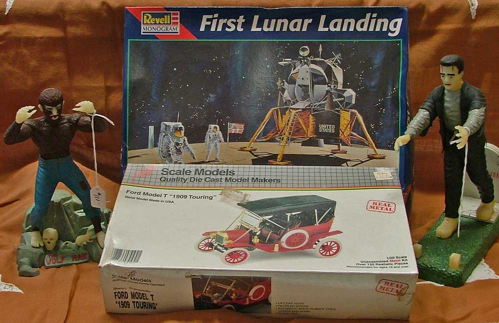 Modell Kits from Aurora 1960s to First Lunar Landing by Revel and more at Bahoukas in Havre de Grace