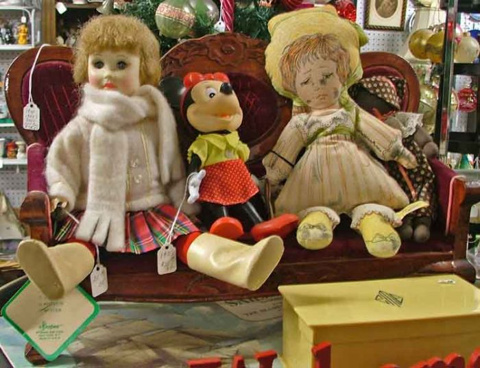 Victorian Dolls and doll sofa