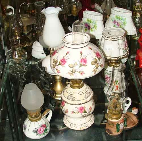 floral pattern oil lamps at Bahoukas
