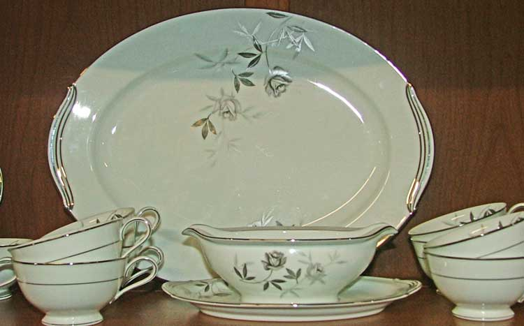 Noritake Rosamor serving pieces at Bahoukas