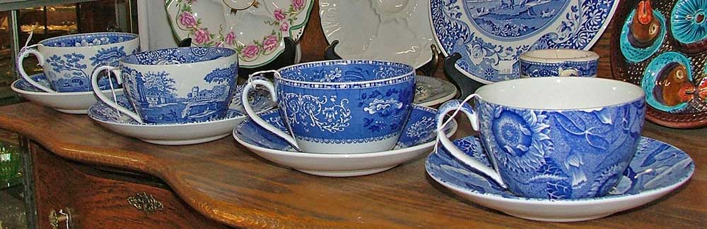 Spode Blue Room Collection of Jumbo Cups w/Saucers