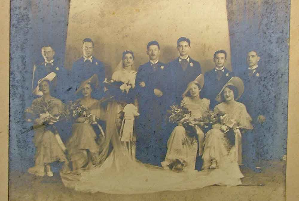 vintage wedding photo, one of many at Bahoukas Antique Mall