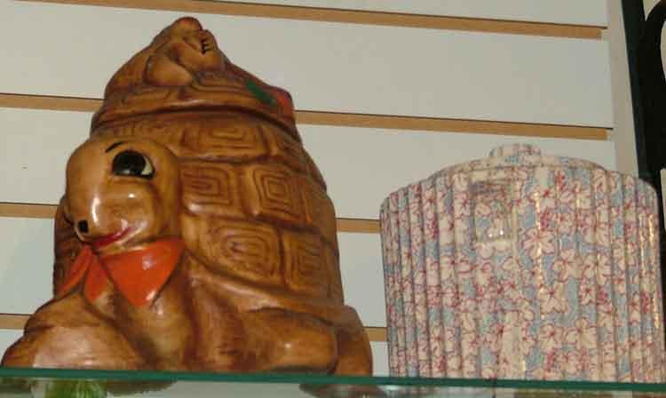 Turtle cookie jar at Bahoukas in Havre de Grace