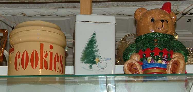 cookie jar surprises at Bahoukas Antiques
