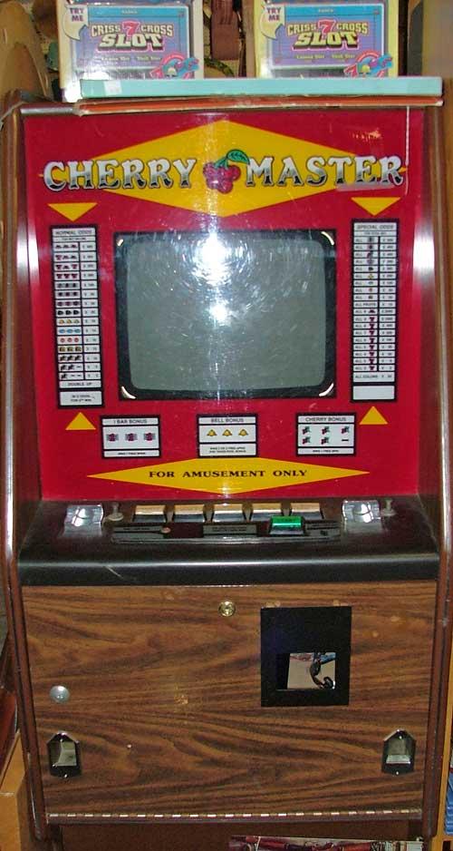slot machine available at Bahoukas Antiques in Havre de Grace