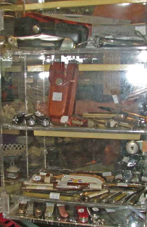 a variety of useful knives available for Dad at Bahoukas Antiques in Havre de Grace