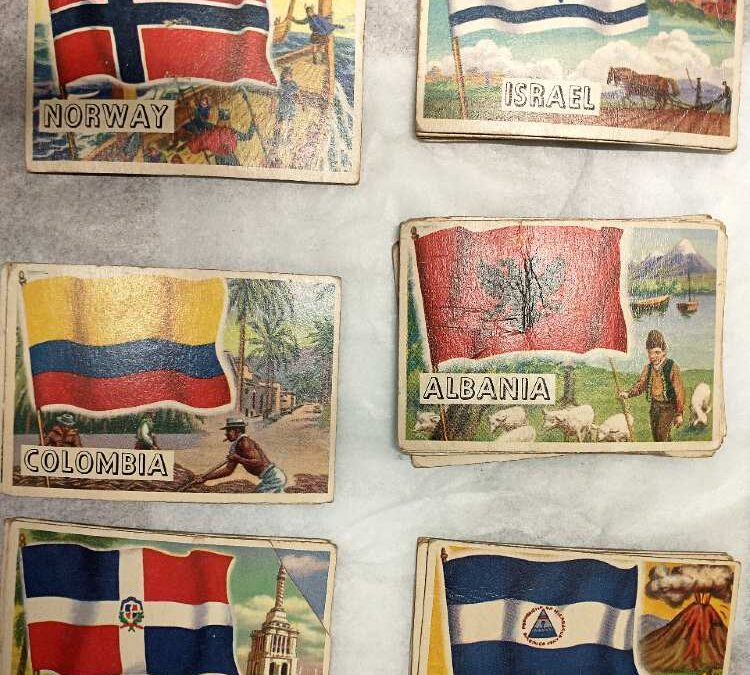 Flags of World trading cards by TOPPS 1950s