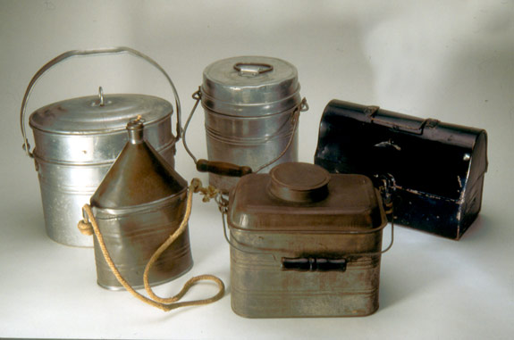 Historic lunchbox, 1880s. A tobacco box was recycled as lunch box. Harold Dorwin / SI